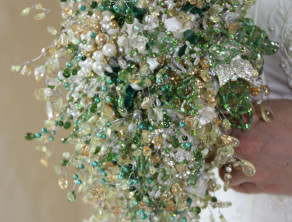 Sparkling Brooch Bouquet